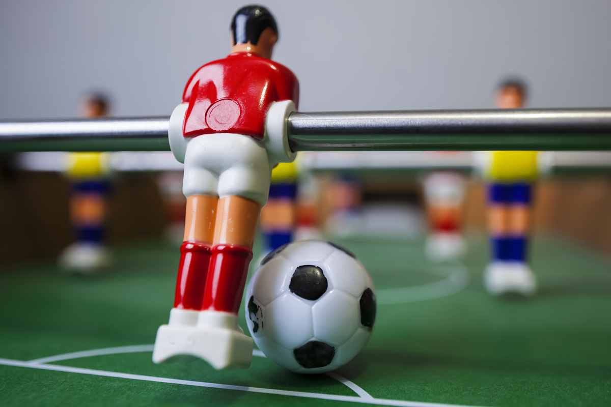 Foosball Balls: How to Buy the Best Replacement Foosballs